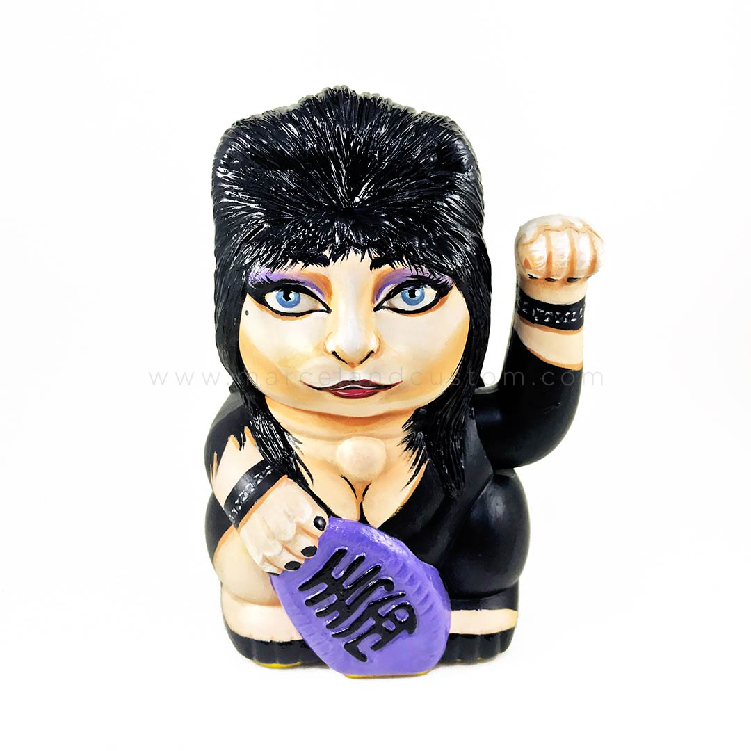Elvira Mistress of the Dark - maneki neko custom
